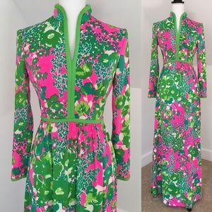 Dresses & Skirts - Vintage 60s Floral Dress